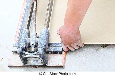 tuiles, ouvrier, découpage, construction, rénovation, maison