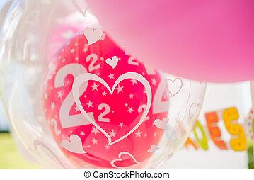 tuin, verjaardagsfeest, versiering, met, ballons
