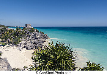 Tulum beach, Mayan ruins in front of the caribbean sea