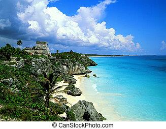 Tulum mexico - Tulum mayan ruins and fantastic beach,mexico.