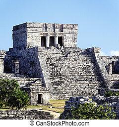 Tulum ruins square
