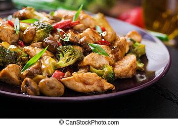 tumulto frigge, con, pollo, funghi, broccolo, e, peperoni,...