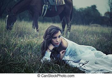 tunn konst, foto, av, a, ung, skönhet, gräset