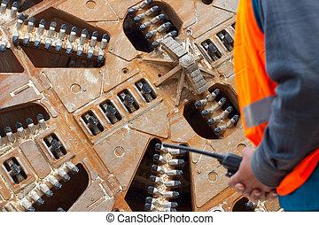 Tunnel boring machine cutter head