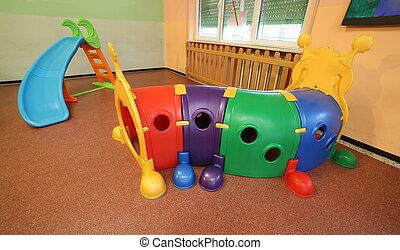 tunnel diapo salle jeux plastique tunnel jardin image recherchez photos clipart. Black Bedroom Furniture Sets. Home Design Ideas