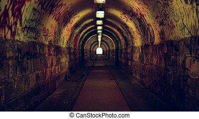 tunnel souterrain, drogues