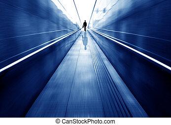 tunnel, voetganger