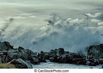 turbulent, vagues, de, océan pacifique, et, accidenté, beauté