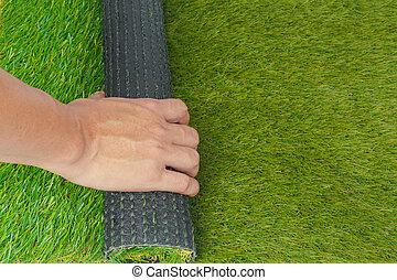 turf artificial, grama verde, rolo, com, mão