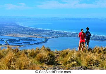 turista, pareja, mirar, el, paisaje, vista, de, christchurch, -, nueva zelandia