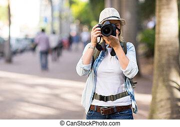 turista, toma, calle, fotos