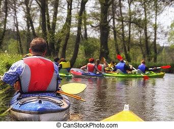 turistas, kayaking, ligado, rio, em, floresta