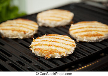 Turkey Burgers on the Grill - Healthy low fat turkey burgers...