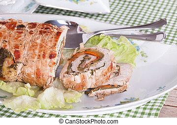 turkije, rol, gevulde, met, groentes, ham, en kaas