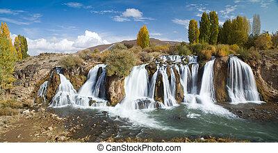 Turkish landscape - Muradiye waterfalls