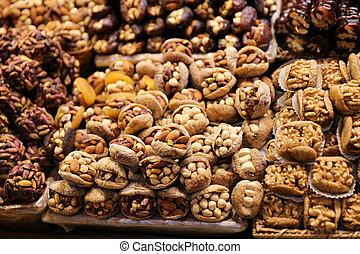 Turkish Sweets in Spice Bazaar, Istanbul, Turkey - Turkish ...