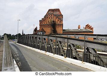 Turning bridge