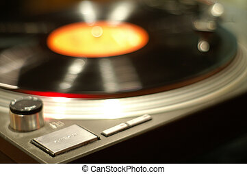 Turntable rocks - The turntable seems to rock to the music