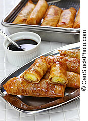 turon, filipino banana spring roll