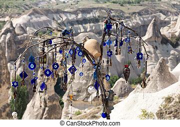turquie, amour, oeil, national, arbre, mal, derrière, park., goreme, vallée, cappadocia