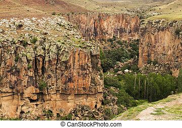turquie, paysage montagne, cappadocia
