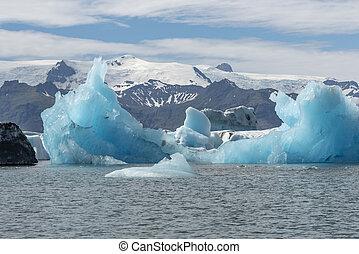 Turquoise ice at Jokulsarlon