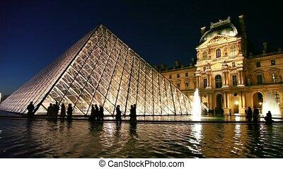 turyści, przód, piramid, luwr, chód