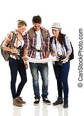 turyści, przeglądnięcie, mapa