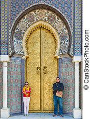 turysta, pałac, królewski, dwa, bab, stać, dar, frontowa brama, albo, lmakhzen, asian