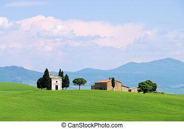 Tuscany chapel 04
