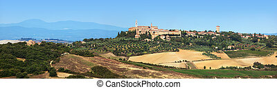 Tuscany landscape panorama with Pienza town on the hill, Italy.