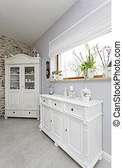 Tuscany - white commode