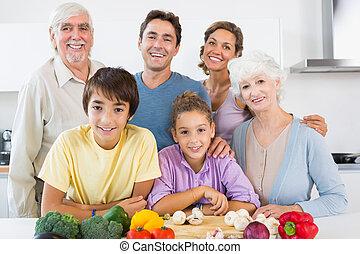 tutto, sorridente, famiglia, cucina
