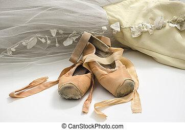 tutu, zapatos de ballet