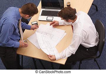 två, arkitekter, granska, den, blåkopior