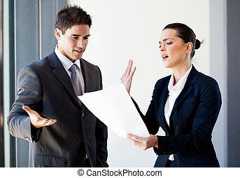två, ung, kolleger, argumentera