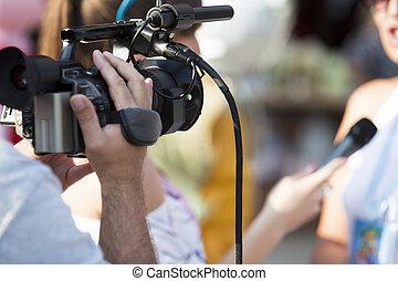 tv εξετάζω με συνέντευξη