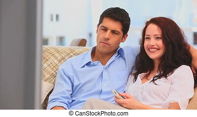 tv, devant, laughting, couple