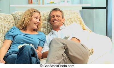 tv, mignon, couple, regarder