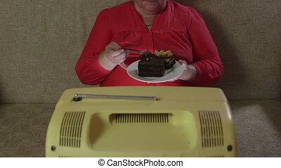 tv, vendange, gâteau mangeant, regarder