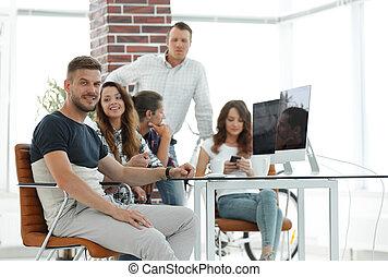 twórczy, grupa, młody, biurowe ludzie