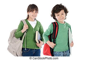 twee kinderen, scholieren, terugkerend aan school