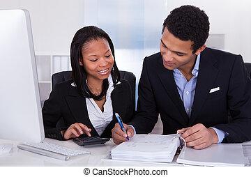 twee, zakenlui, doen, financiën, werken