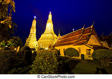 Twilight light  Wat Arun in bangkok thailand