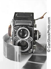 Twin lens reflex camera - It is a twin lens reflex (TLR) ...