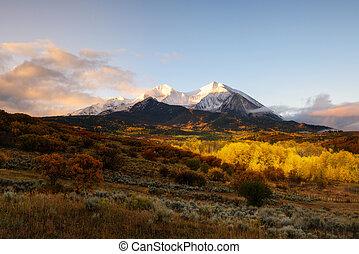 Twin peaks mountain, Mount Sopris and Elk