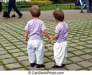 Besuch mit Anette und Wolfgang in Bottrop Kirchhellen twins hand in hand