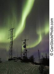 Two antennas under two aurora arcs