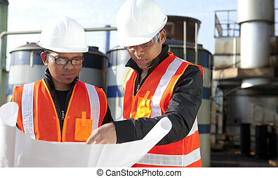 two engineer on location site disscution - two engineer ...