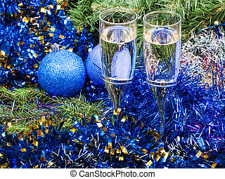 Two glasses with blue Xmas decorations and tree 7